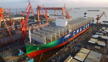 CMA CGM met à l'eau le premier de ses neuf porte-conteneurs propulsés au GNL