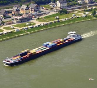 Repli du transport fluvial en France en 2015